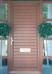 Входные двери классические